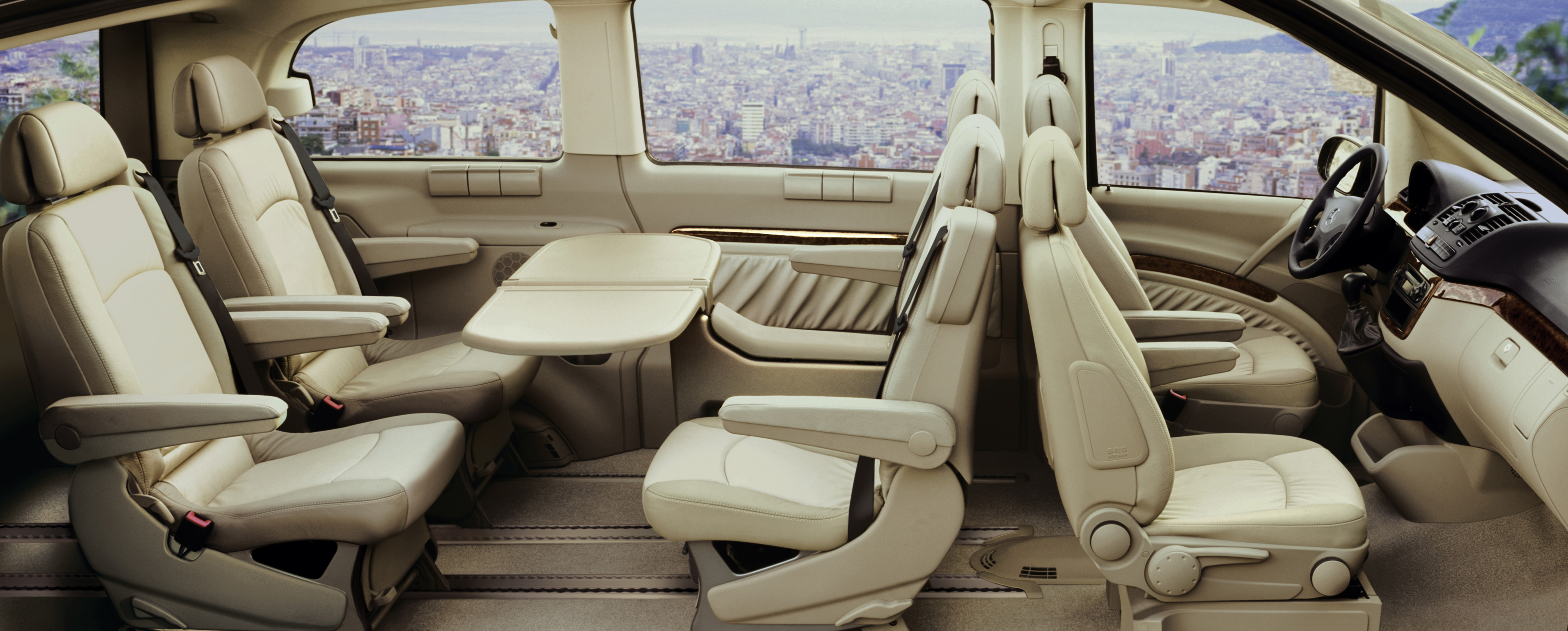 Photos mercedes viano for First class 8 interieur