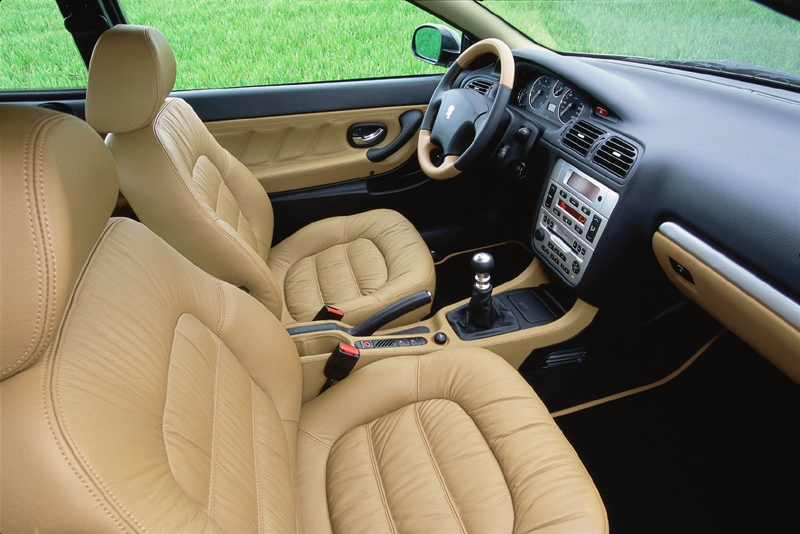 Photos peugeot 406 coupe for Interieur 406