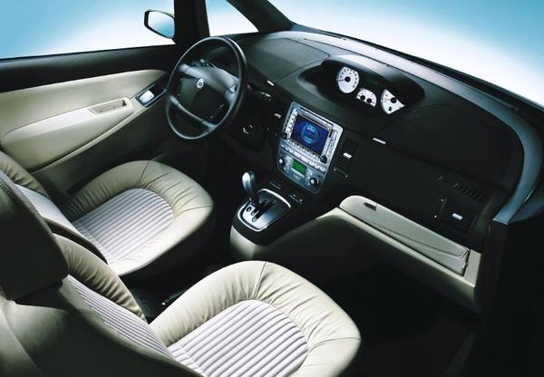 Photo Lancia Compact Mpv