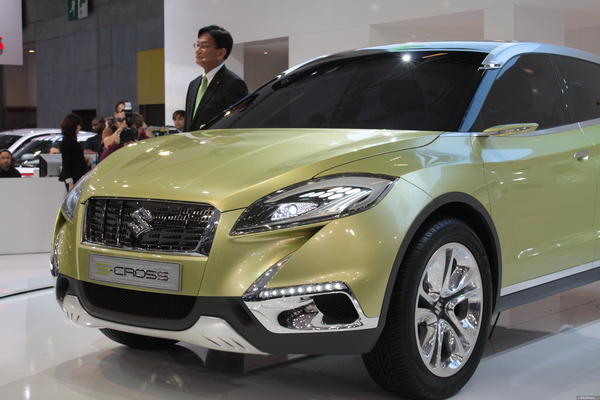 Photo Suzuki S-cross Concept