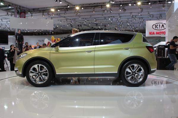 Photo Suzuki S-cross Concept
