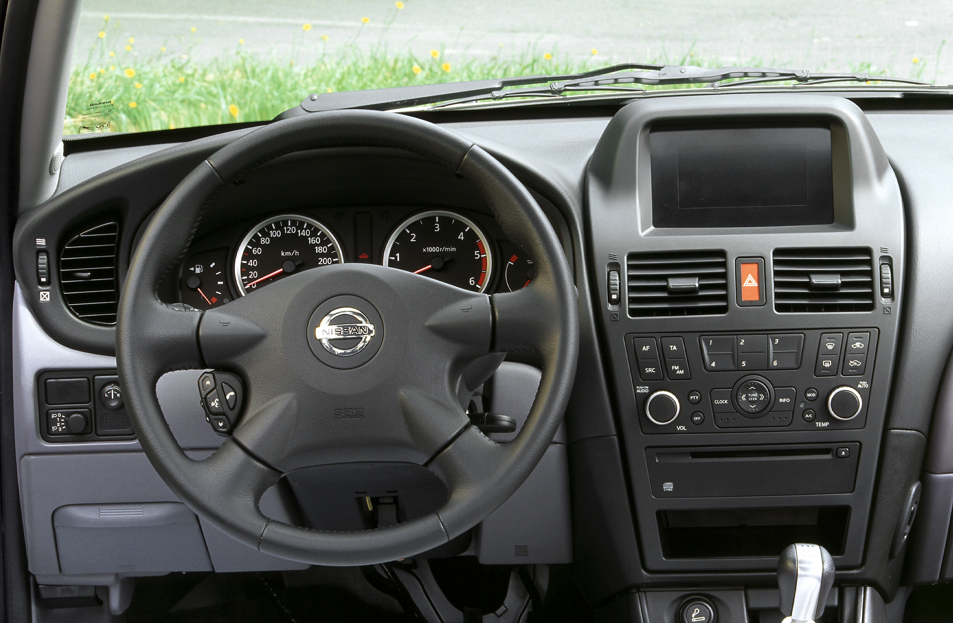 Photos nissan almera 2 for Tableau interieur